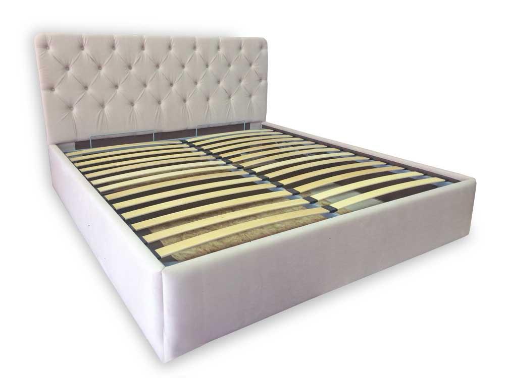 Кровать с мягким изголовьем в каретную стяжку