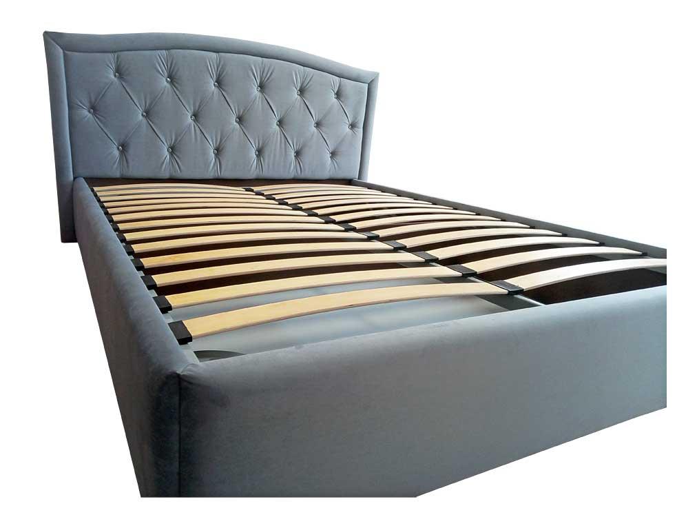 Кровать с мягким изголовьем в стиле каретная стяжка капитоне